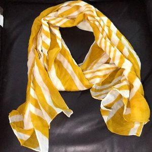 Beautiful Yellow & Cream Scarf